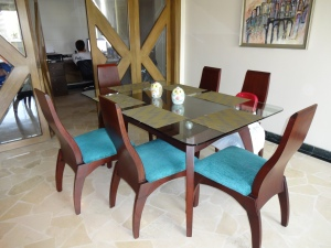 Dining set purchased on Mercado Libre.