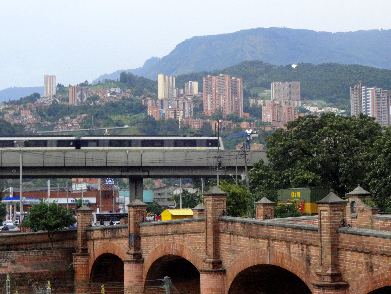 8 Ways that Medellín and Barranquilla Differ
